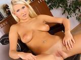 Nadia nicole online
